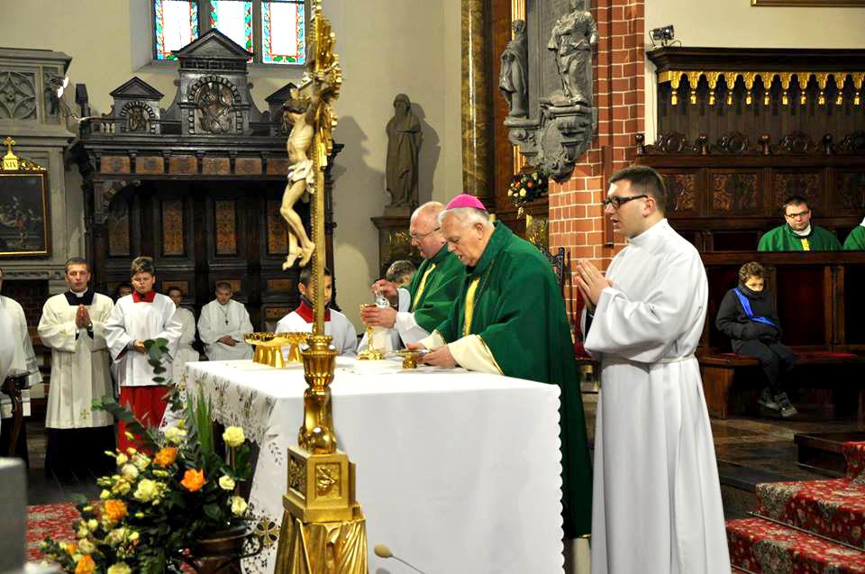 Eucharystia podczas wizytacji kanonicznej