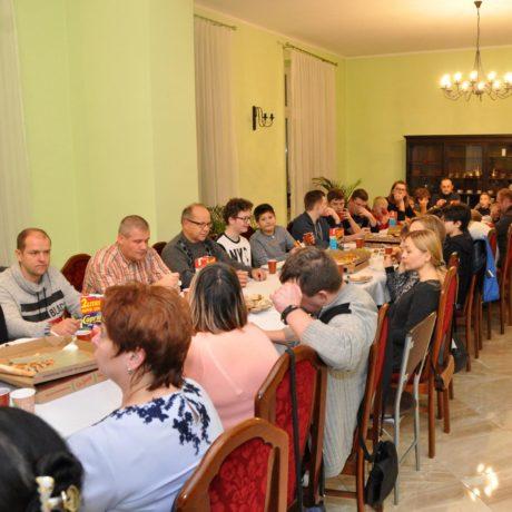 Spotkanie Służby Liturgicznej przy ołtarzu i na agapie