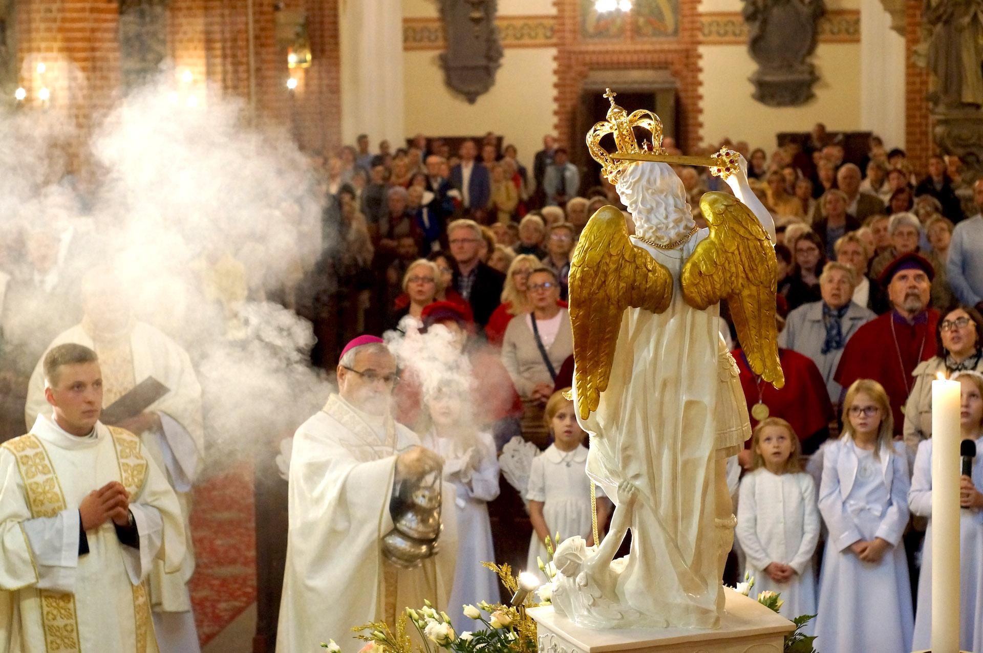 Przywitanie figury św. Michała Archanioła