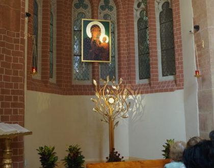 Kaplica adoracji jako wynagrodzenie [FILM]