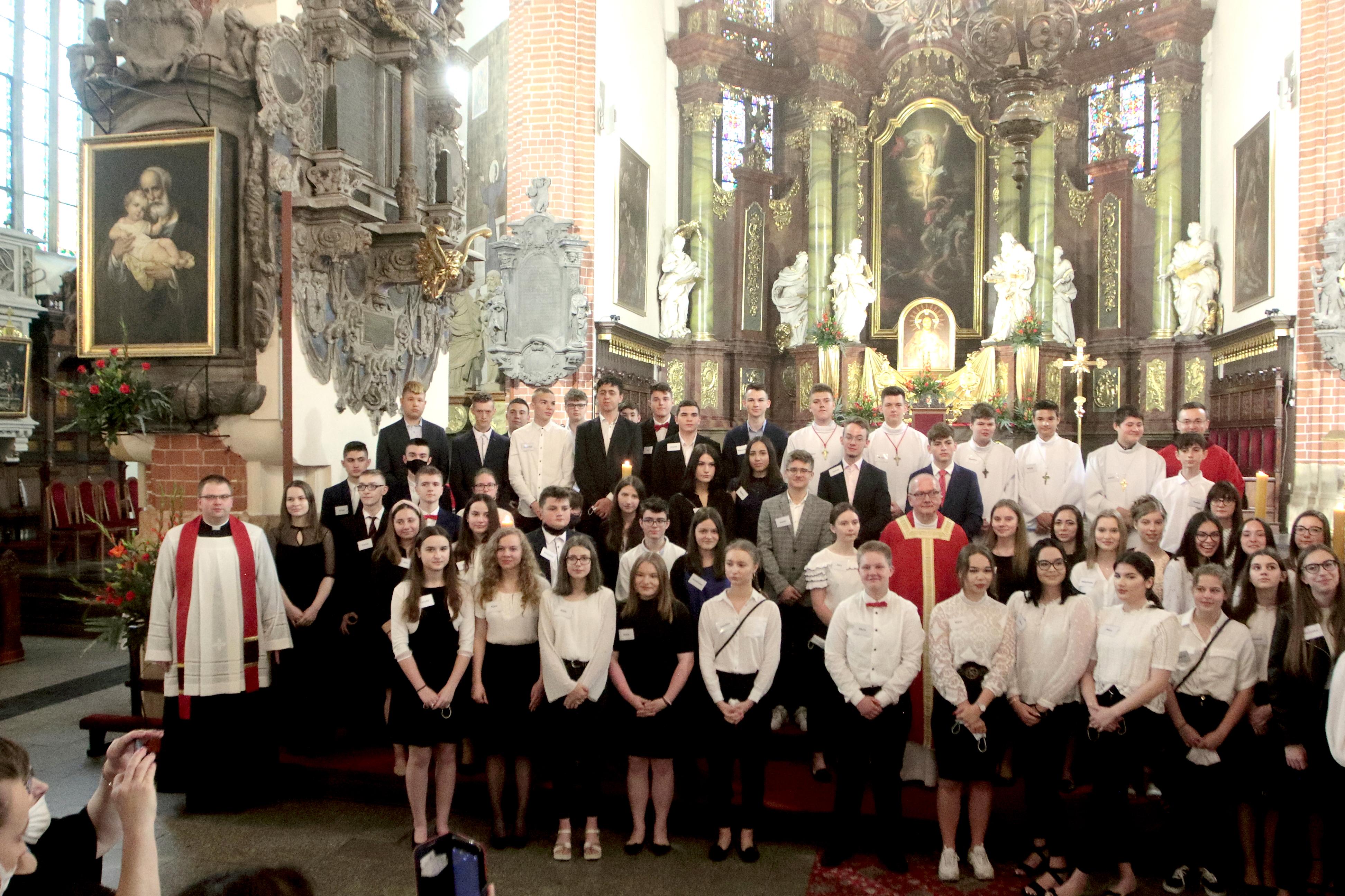 Bierzmowanie katedralnej młodzieży